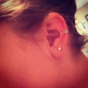 3.10.2013 - Best earrings ever. Thanks R! @roblizleigh